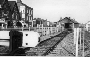 02A.Picture End of the line1935
