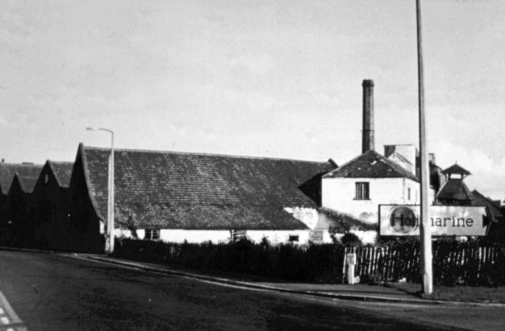 Burnham's Brewey was where the Lighthouse Pub now is.