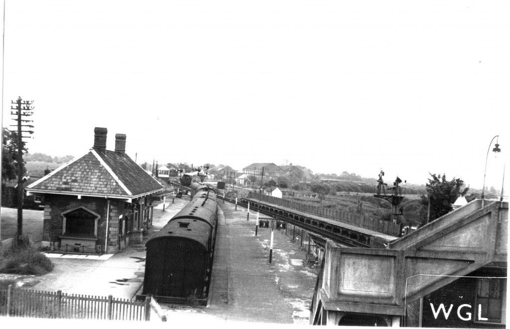 S&D platforms as viewed from the original foot bridge. Photo kindly provided by Glyn Luxon.