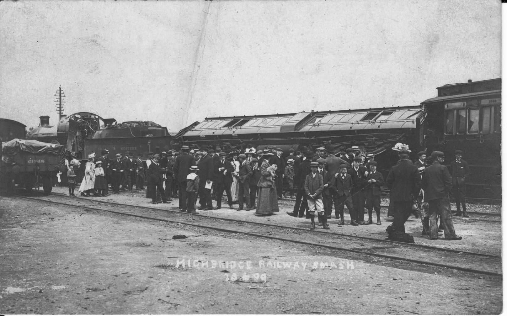 Railway smash @ Highbridge 20th June 1909 ( AJ)