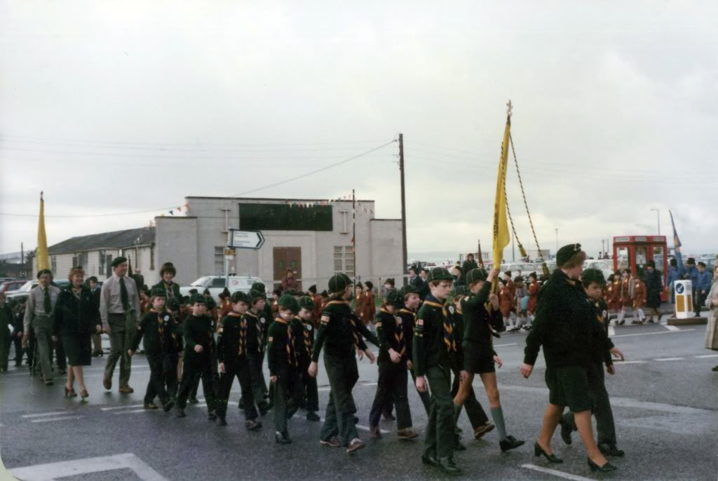 1982CubparadePaulcarryingflag02 1 copy